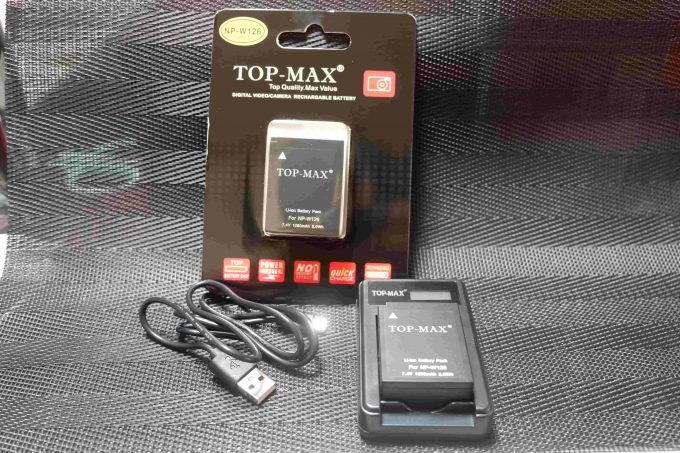 TOP-MAX NP-W126 NP-W126S 互換バッテリー 2個 + LCD USB 充電器