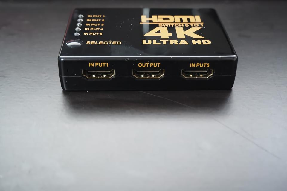 HDMIセレクター - 本体前面