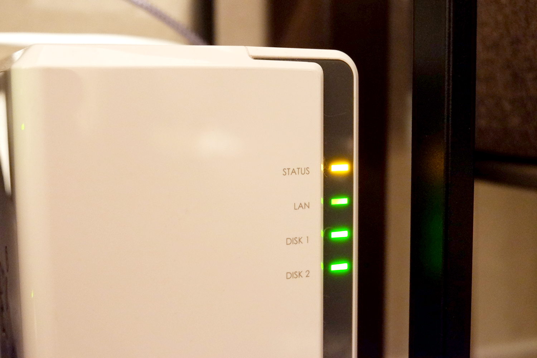 DS216j - STATUS LED