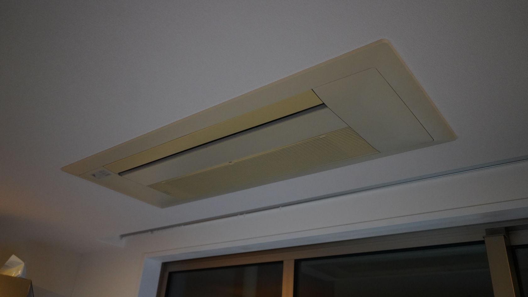 天井埋込み型エアコン