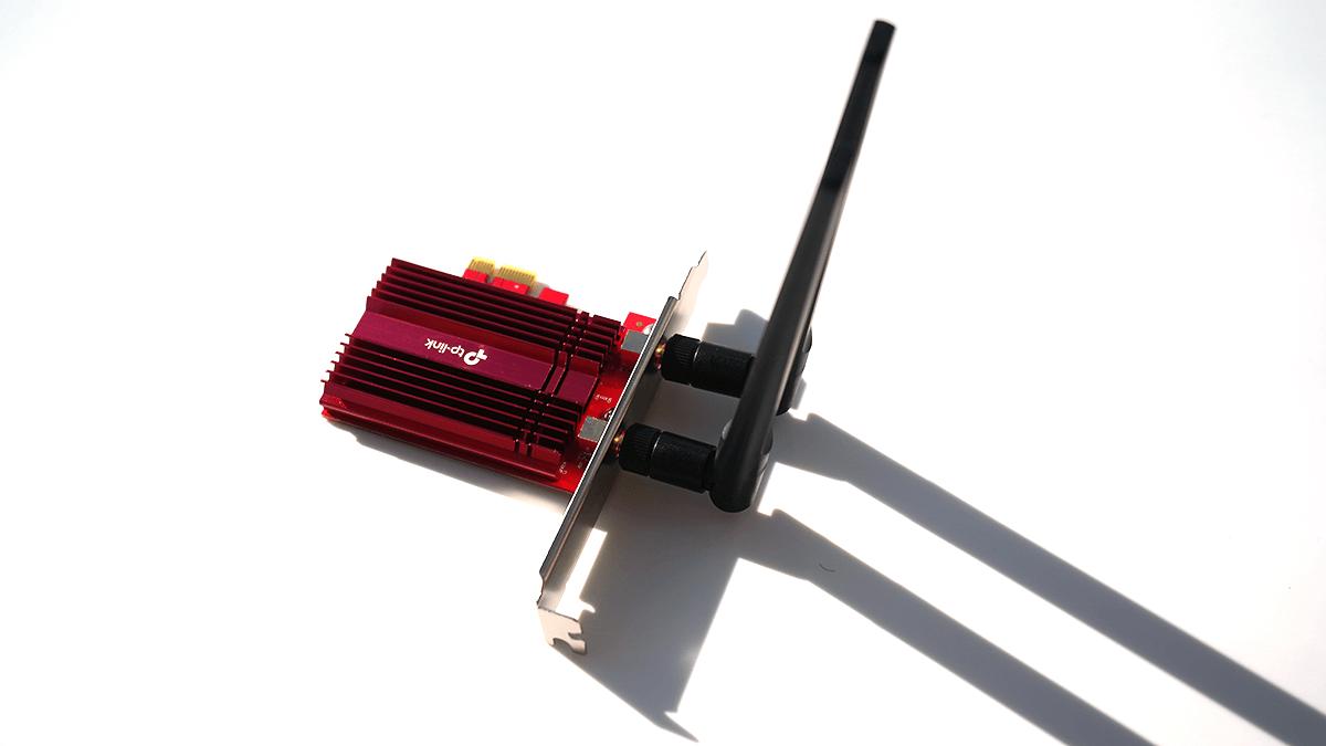 TP-Link Archer TX3000Eとアンテナを直結した例