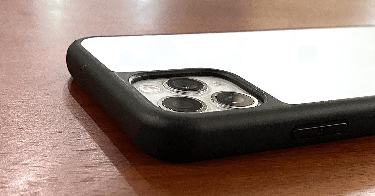 Deff Etanze Hybrid Case - カメラ部分の高さ