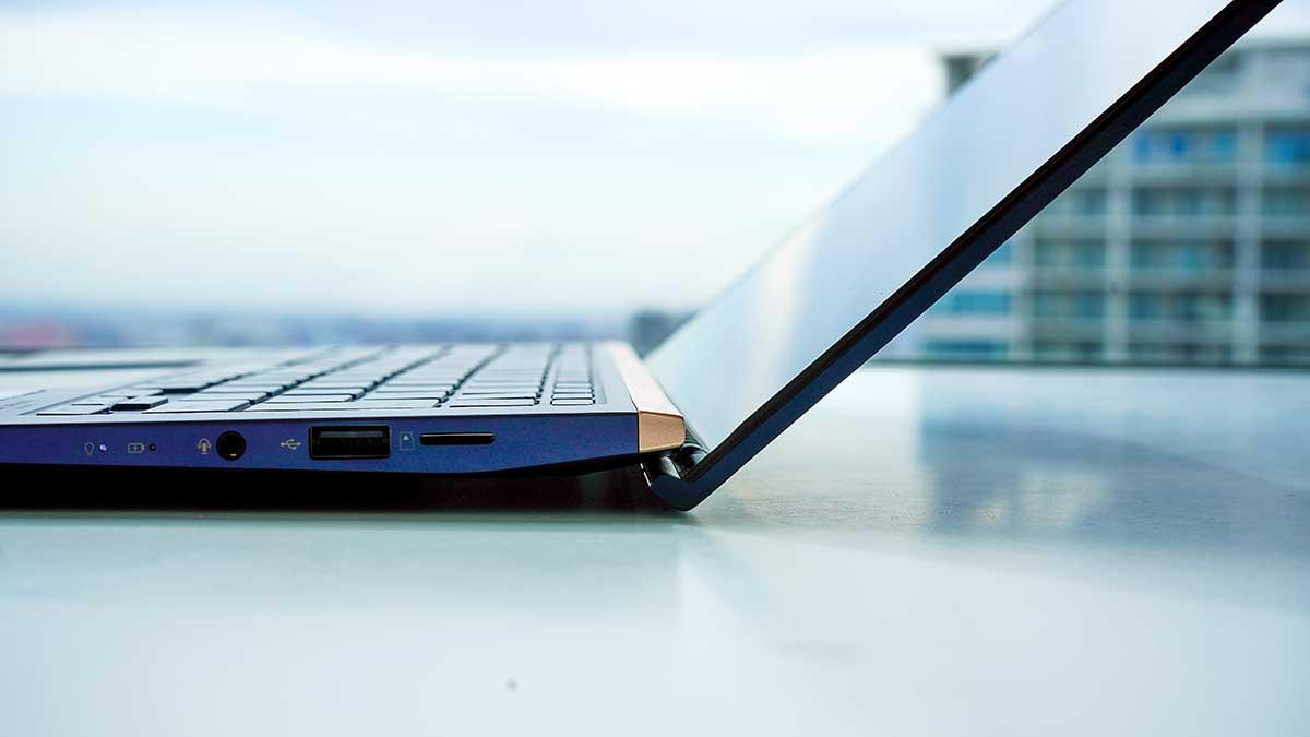 ZenBook 14 ASUS UX434FL - エルゴリフトヒンジ