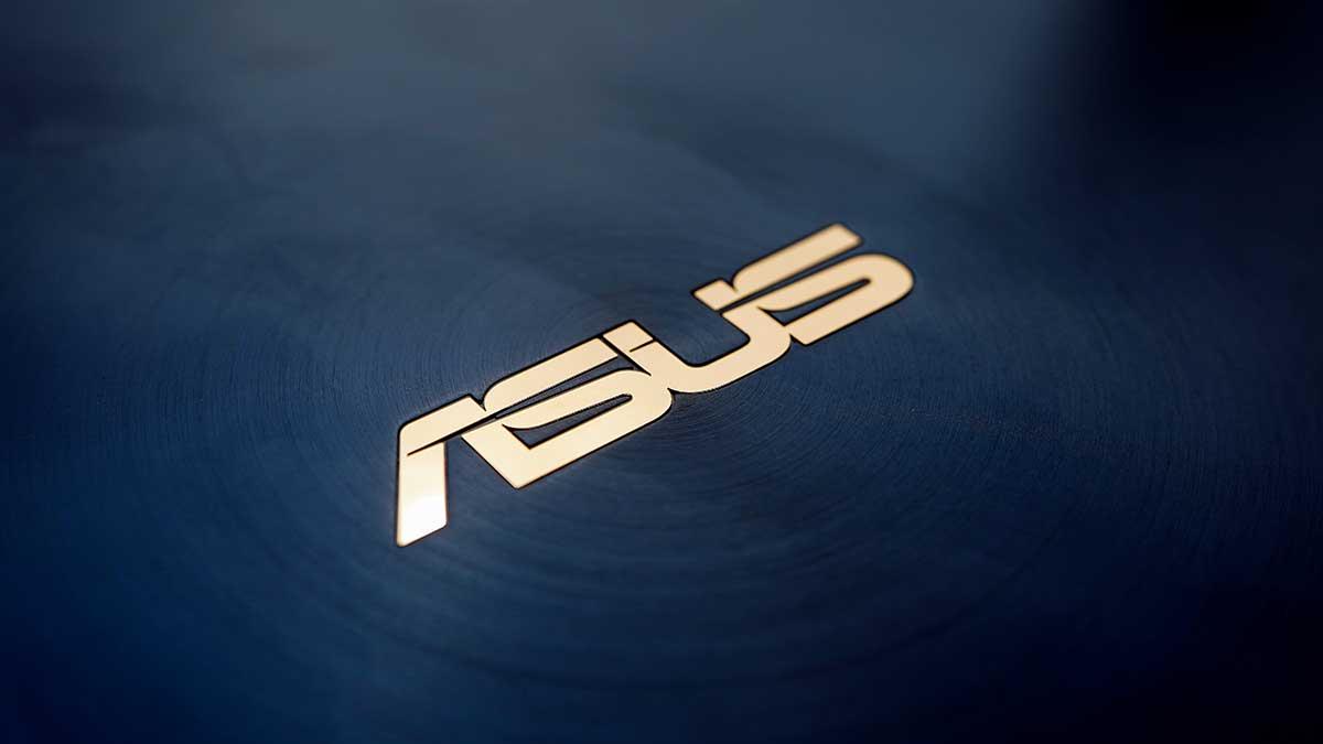 ZenBook 14 ASUS UX434FL - 天板ロゴ