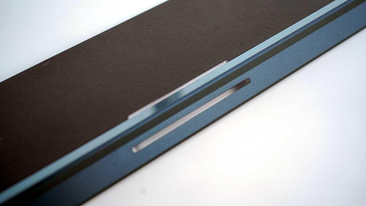 ASUS ZenBook Pro Duo UX581GV - パームレスト